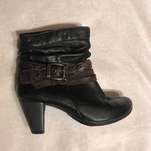 Pikolinos zipper booties